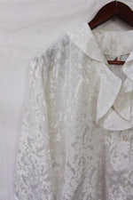 Afbeelding in Gallery-weergave laden, White blouse with fancy collar (M)
