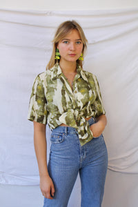 Green short sleeve print blouse (M/L)