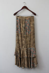 Maxi print skirt with beautiful ruffles  (XS/S)