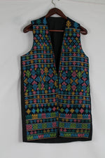 Afbeelding in Gallery-weergave laden, Black waistcoat with ancient embroidery print (S-L)