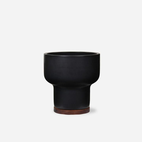 Case Study Mushroom Pot with Plinth