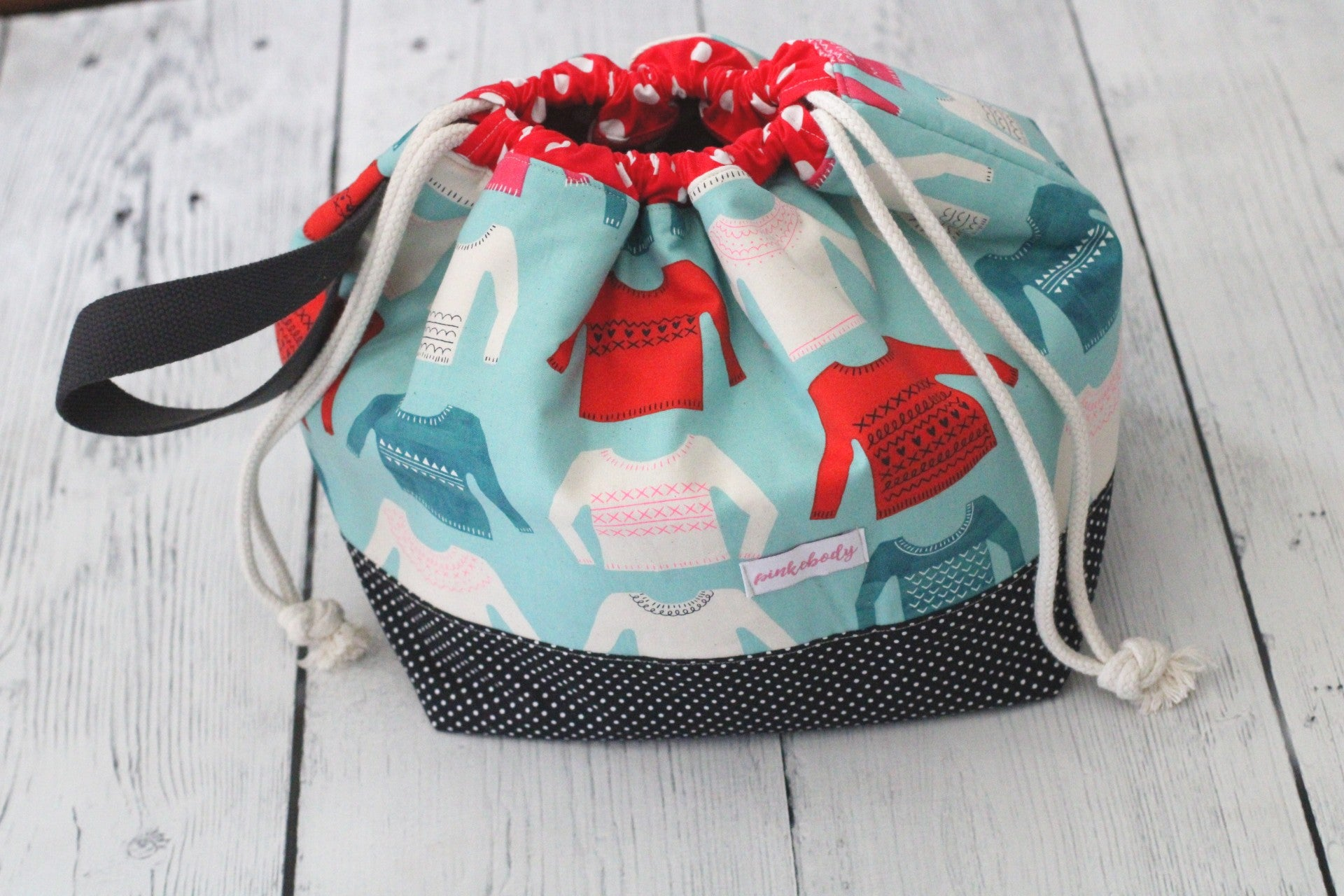 Sweater Finch Bucket Large Project Bag (Red Accents)