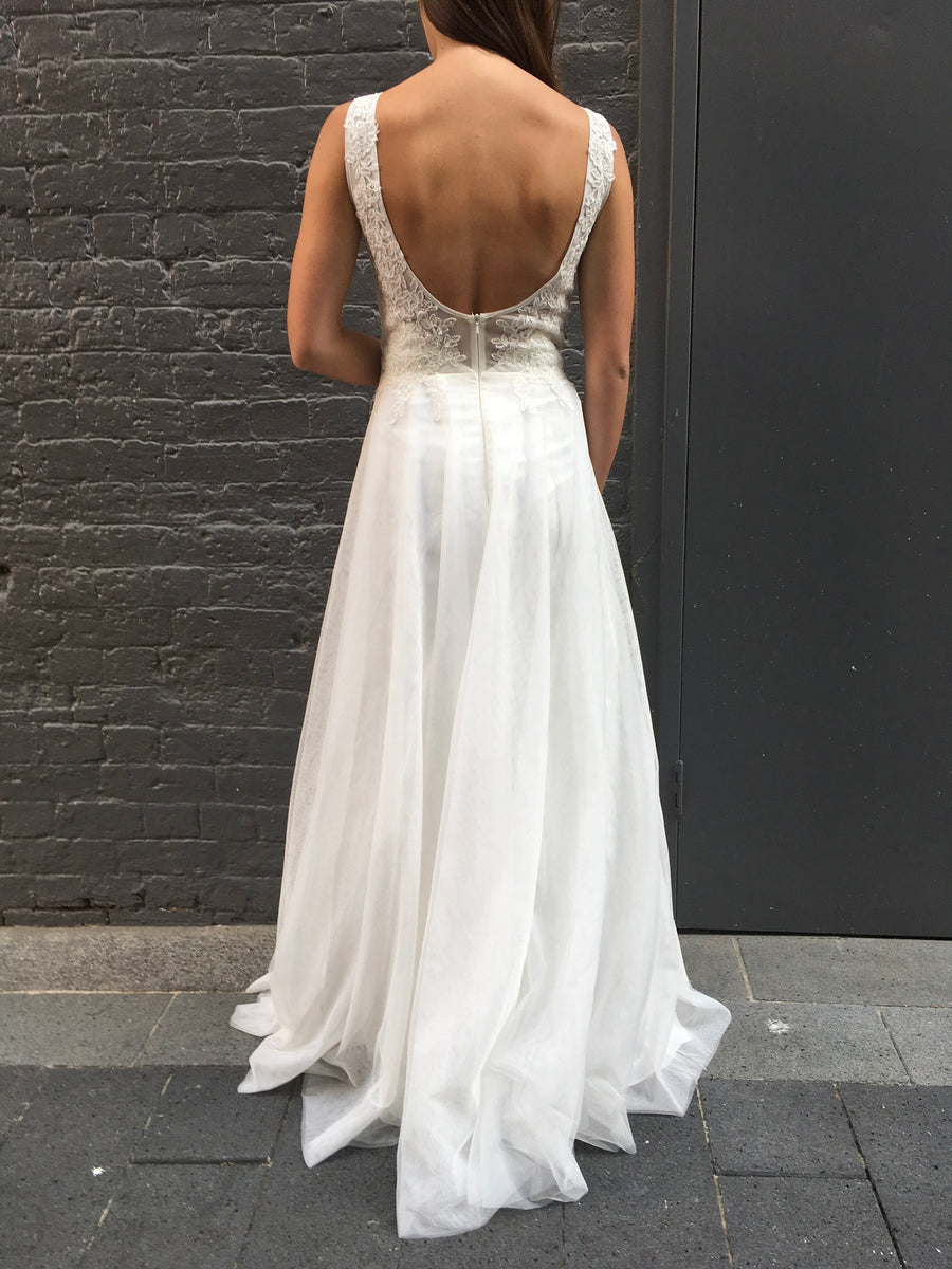 Aishah gown - Ivory