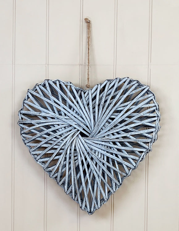 Rattan Heart Grey Wash 40cm