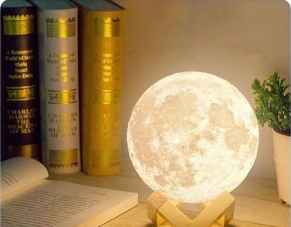 3D Moon Lamp (2 Color switch)