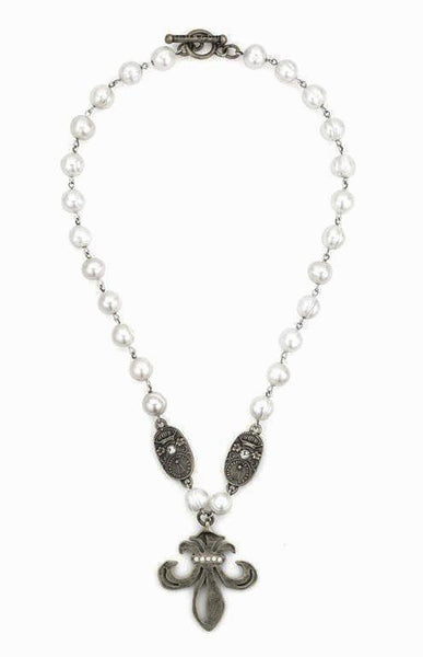 "French Kande Triple Freshwater Pearl with Grande Fleur and Curve Medallions Necklace 18"" Silver"