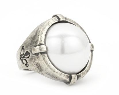 French Kande Signet Ring with Freshwater Pearl Silver