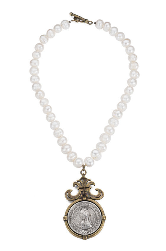 French Kande Freshwater Pearl & Bayonne Medallion Necklace 17""