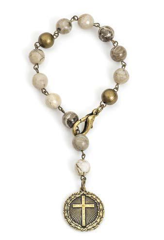 French Kande SINGLE STRAND CAFE AU LAIT MIX WITH BRASS WIRE AND LAUREL CROSS BRACELET