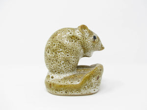 edgebrookhouse - Vintage Pigeon Forge Pottery Speckled Mouse Figurine