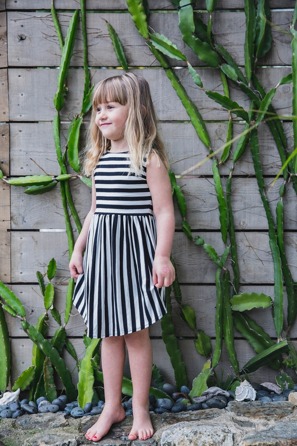 kids-stripe-black-and-white-dress-kucoon-girls-dress