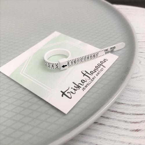 Find Your Ring Size, Adjustable Plastic US Ring Sizer, Multisizer