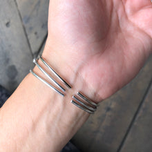 Load image into Gallery viewer, I LOVE YOU Morse Code Bracelet