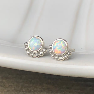 4mm Eyelash Man-made Stimulated Opal Stud Earrings