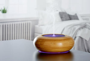 Bamboo diffuser with changing light colours