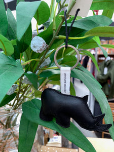 Black leather rhino keyring from Yaya the brand