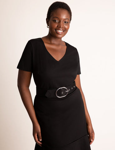 Short Sleeve Dress With Belt in Totally Black