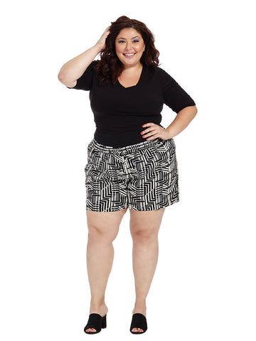 Flory Shorts In Black Abstract