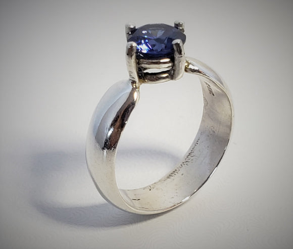 Sterling Silver and Tanzanite CZ ring size 7 1/4