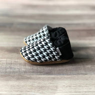 Trendy Baby Mocc Shop - Black And White Houndstooth Basic Low Tops