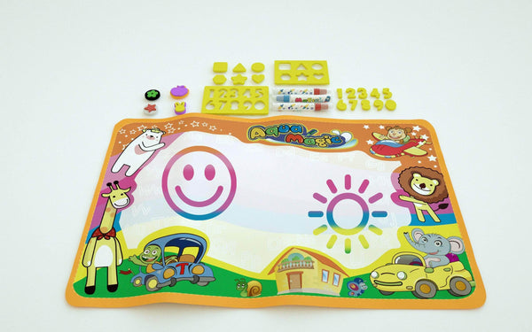 Mess-free, non-toxic and reusable cool Aqua doodle mat for kids