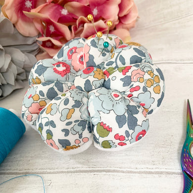 Flower Pin cushion in Liberty and Linen