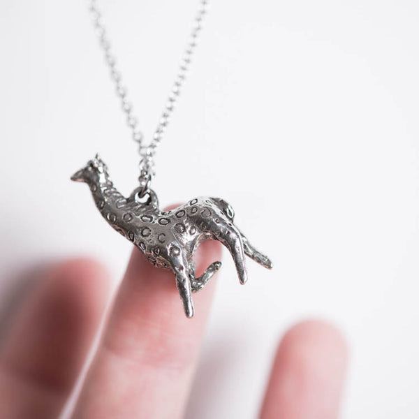 Le Graceful Giraffe Necklace