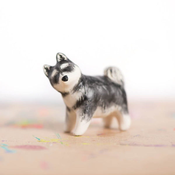 Le Perfect Husky Puppy Totem - Muses Collection