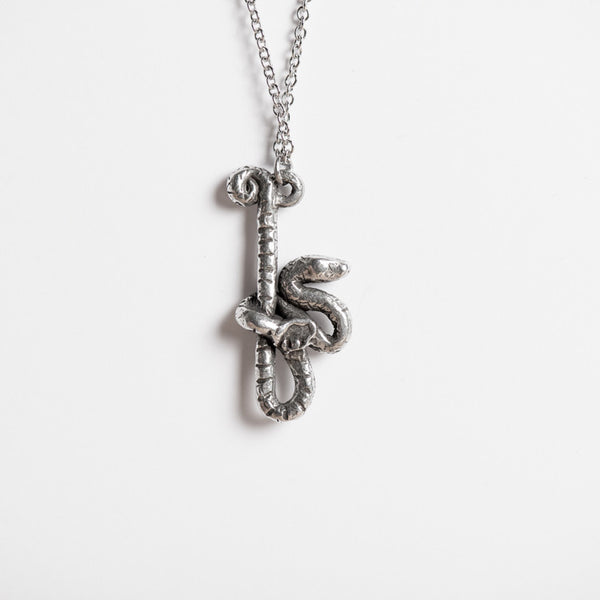 Le Mysterious Snake Necklace