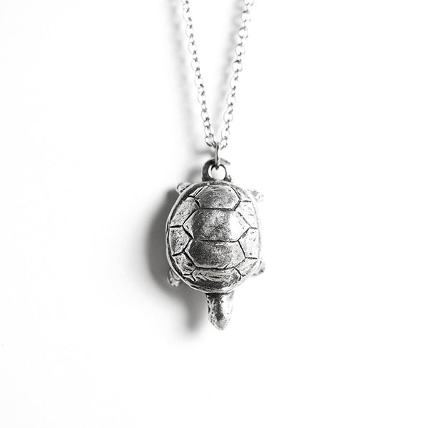 Le Steady Turtle Necklace