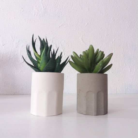 Grip Concrete Planters-Set of 2