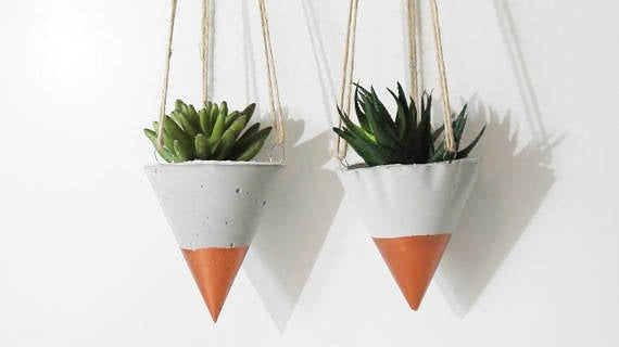 Dimitri Hanging Concrete Copper Dipped Planter