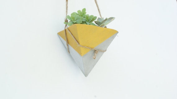 Amarillo Hanging Concrete Triangle Planter