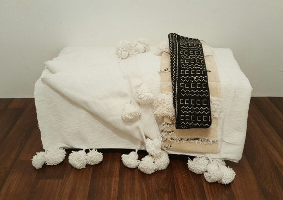 Pom Pom White Berber Throw