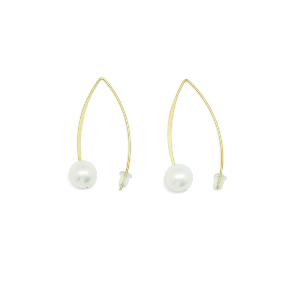 Tunique Pearl Crook Earrings