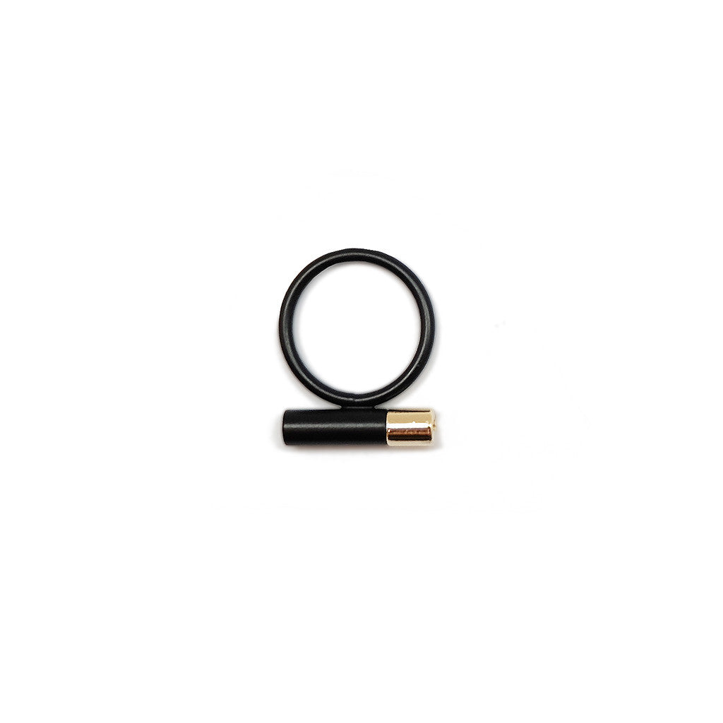 Tunique HK Buren Circle Black Metal Brass Ring