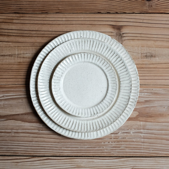 TAMBA-YAKI | White Powder Rim Plate