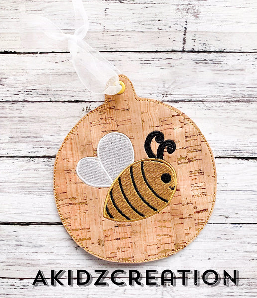 in the hoop bee christmas ornament, christmas embroidery design, ornament embroidery design, bee embroidery