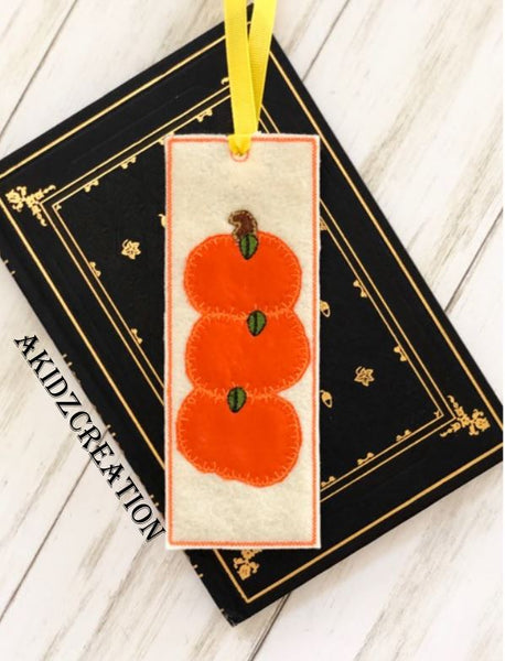 in the hoop embroidery, ith bookmark embroidery design, in the hoop embroidery bookmark , machine embroidery bookmark pattern, pumpkin embroidery, pumpkin applique, thanksgiving embroidery,