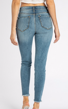 Load image into Gallery viewer, Lily Kancan Denim Jeans