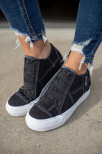 Load image into Gallery viewer, Black Wedge Sneaker