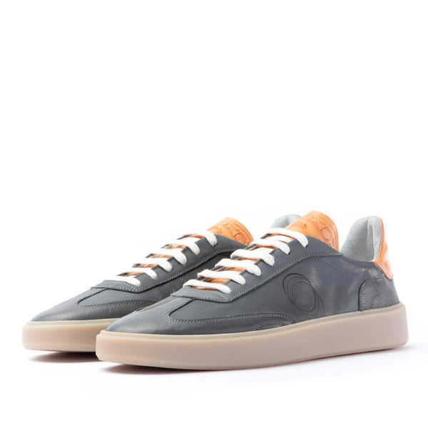 League leather sneakers