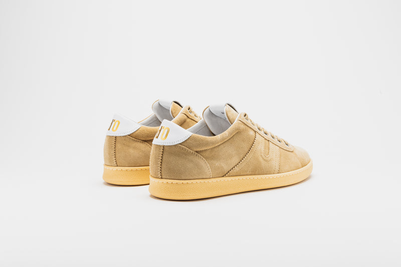 White heel tabs to contrast the camel coloured suede upper