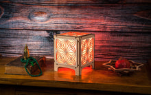 Load image into Gallery viewer, Kakuasa 1 Small Table Lamp