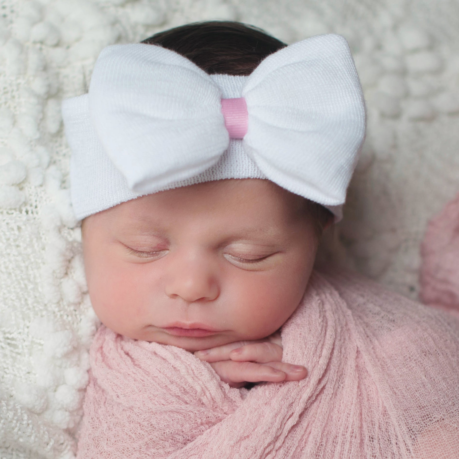 ilybean Nursery Newborn White Headband Newborn Girl Nursery Beanie Headband with Pink Ribbon Center