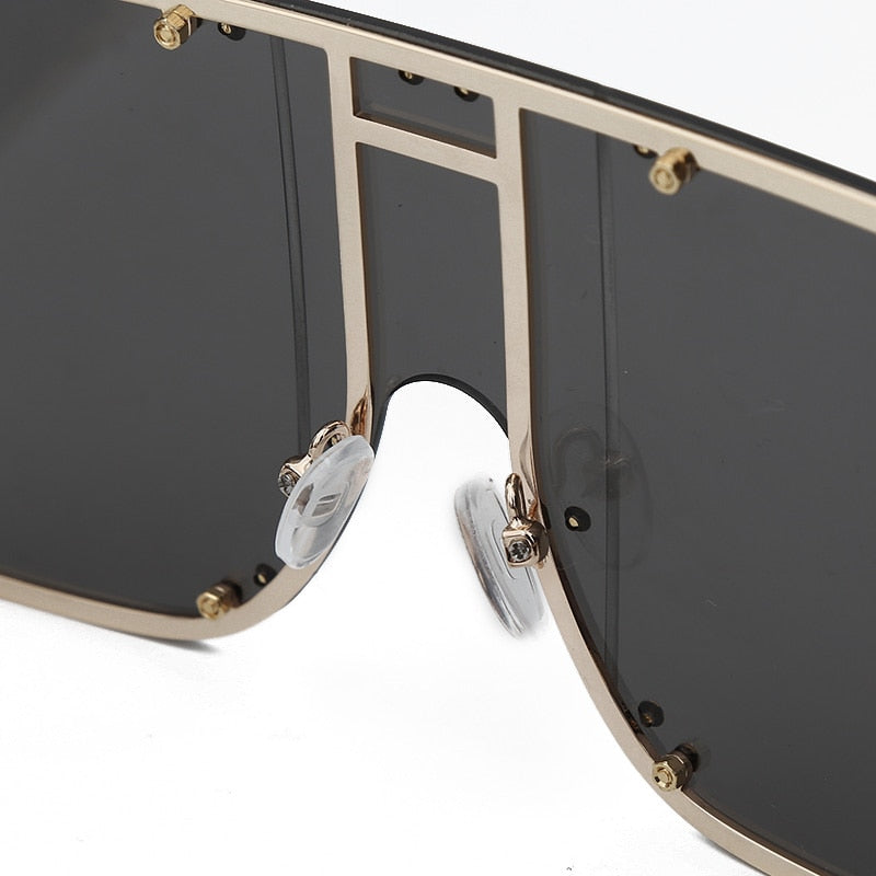 Fashion Square Sunglasses Women New Oversized Mirror Men Shades Glasses Luxury Brand Metal Rivet Trend Unique Female Eyewear