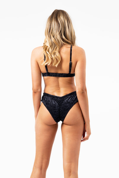 ALL THE FEELS: Peru Velvet Short in Black - RAD POLEWEAR