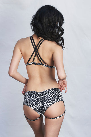 Lure You Low Waisted Garter Shorts in Grey Leopard