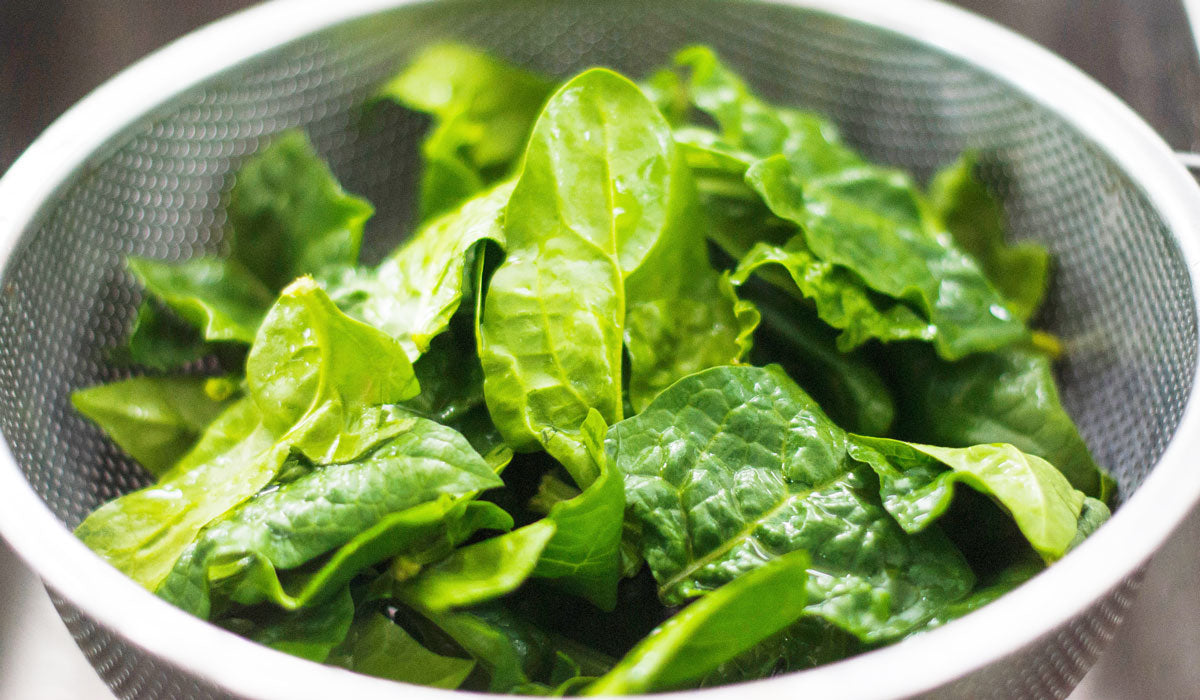 top 7 super foods for perfect skin green vegetable leaves