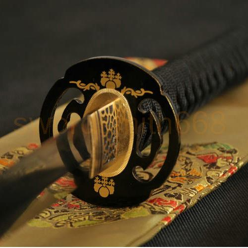 Clay Tempered Blade Iron Tsuba Japanese Samurai Sword Katana